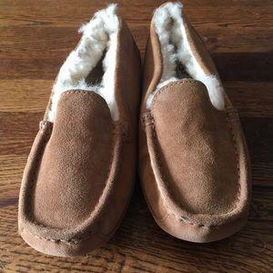 Ugg Australia Chestnut Slippers Size 5